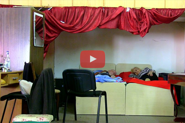 Trailer: On the Move, Rima and Shota sleep on the stage