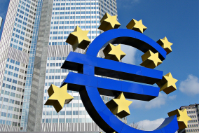 The Euro-Sign in front of ECB tower.