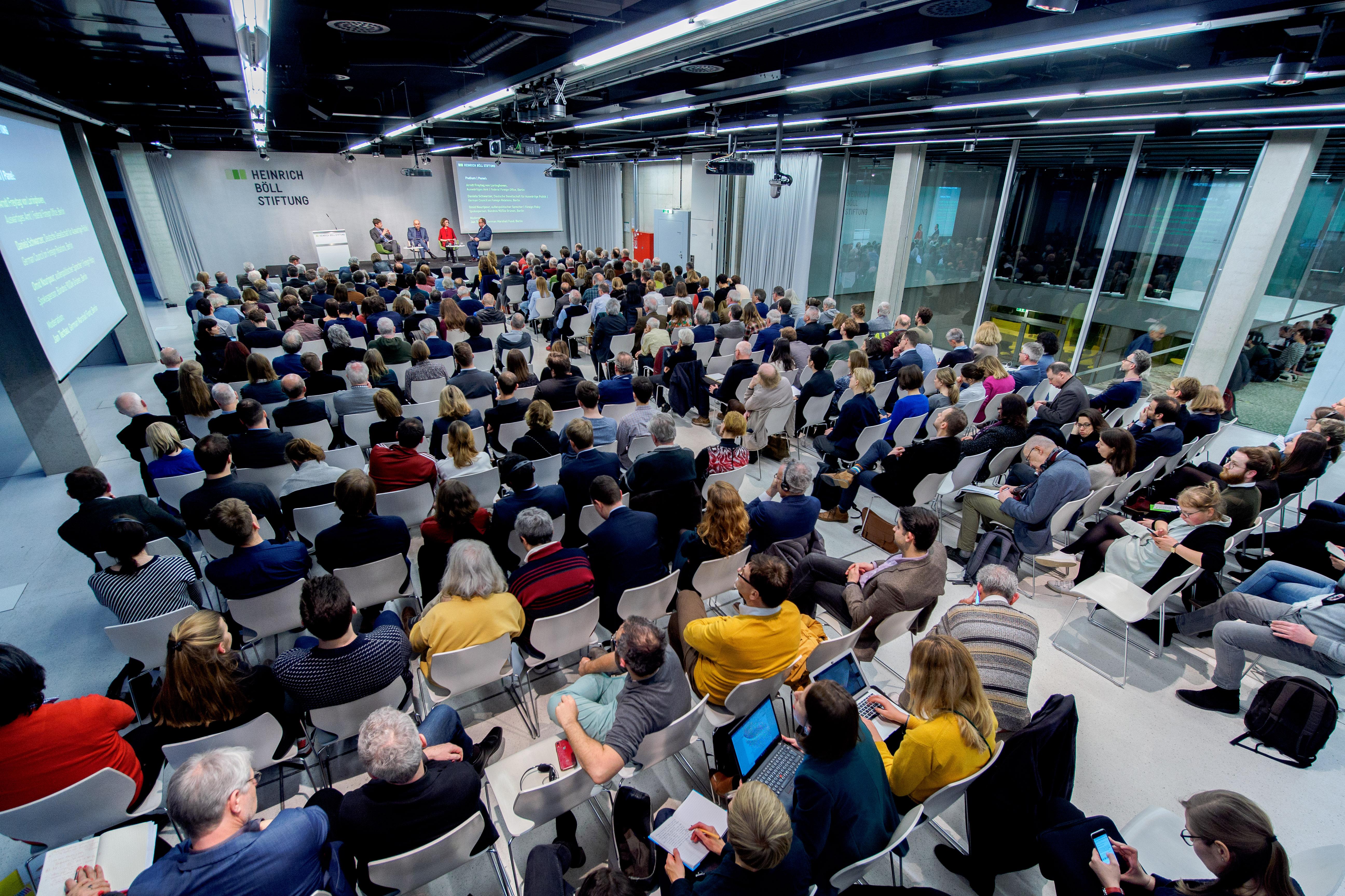 Foto Außenpolitische Jahrestagung - voller Saal