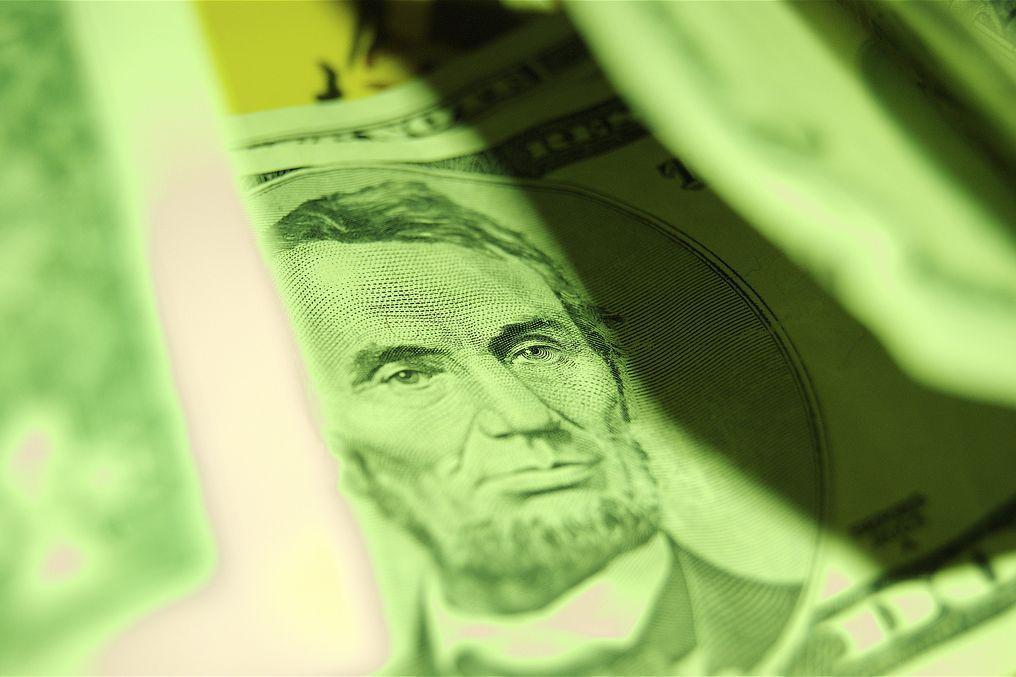 Eine grüne 5-Dollar-Note