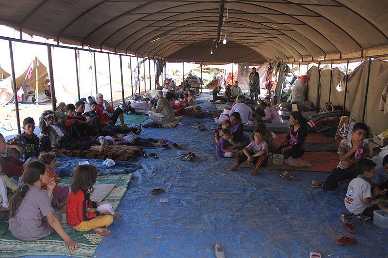 Zelte für die yezidische Flüchtlinge in der Türkei